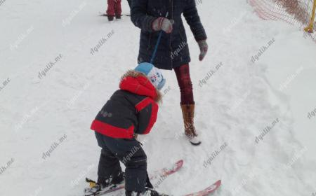 Обучение горным лыжам детей