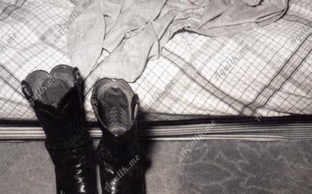 В обуви по квартире