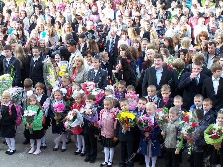 Школы набрали учеников